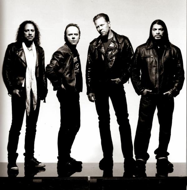 Metallica-metallica-30791409-2000-2038